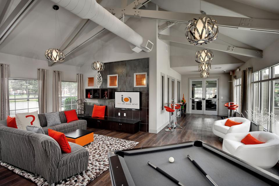 Collegiate housing leasing office amenity design for Leasing office decorating ideas